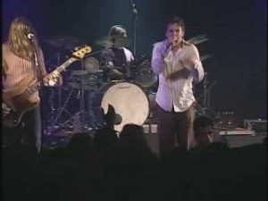 Blind Melon, Shannon Hoon, onstage 1995