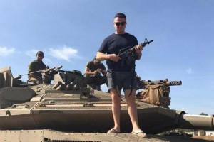 Tommy Robinson with the Israeli military on Syrian border