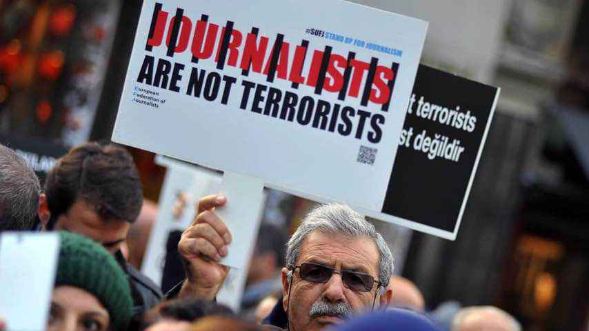 Turkish protests against arrest of journalists