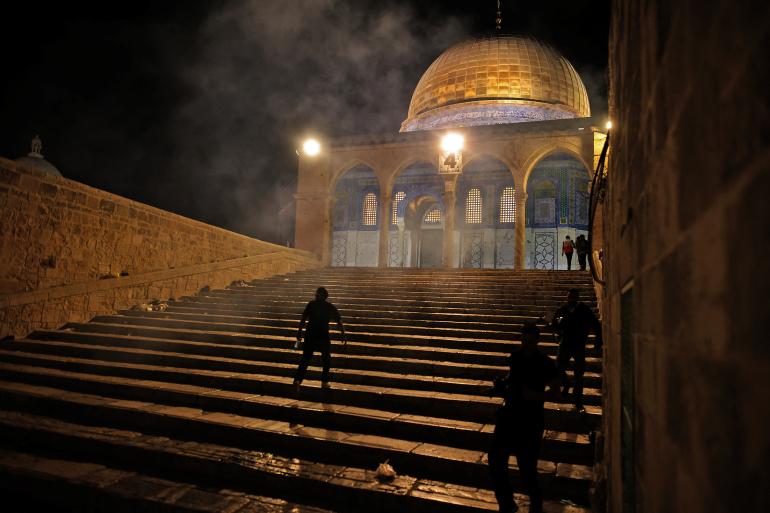 Al Aqsa mosque raided by Israeli police